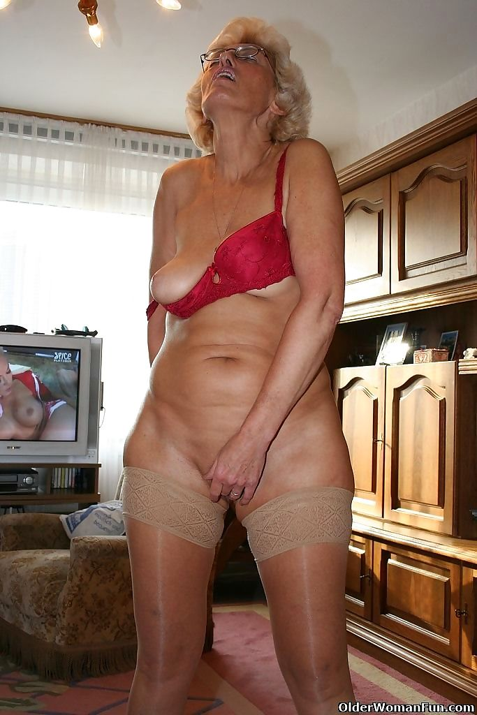 Grandma ina rubs her old clit - part 4433