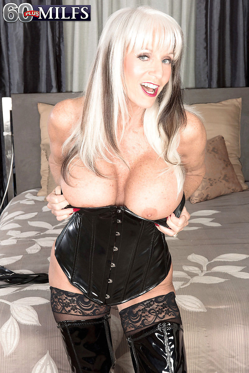 Big boobed mom sally dangelo fucking in black latex - part 1178