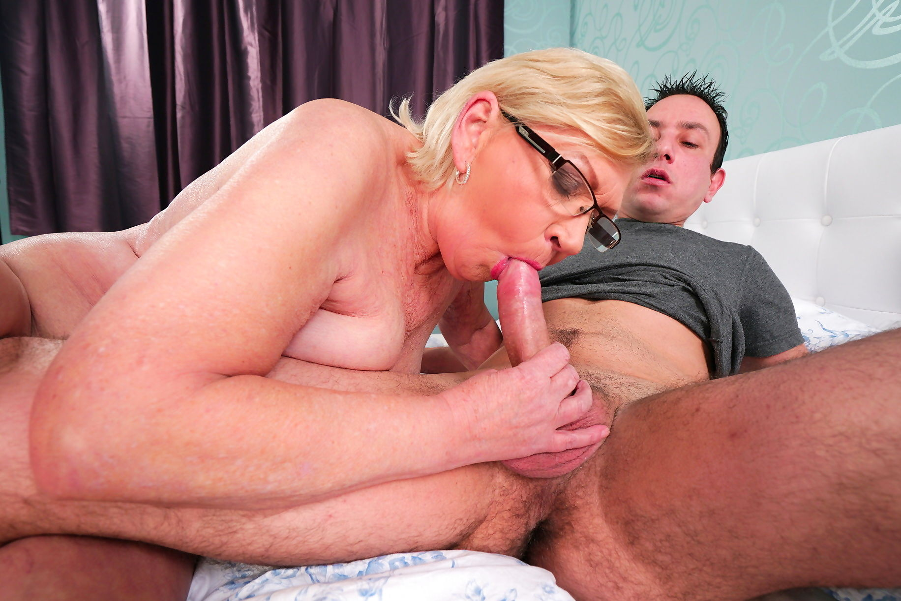 A young man fucks his granny - part 2931