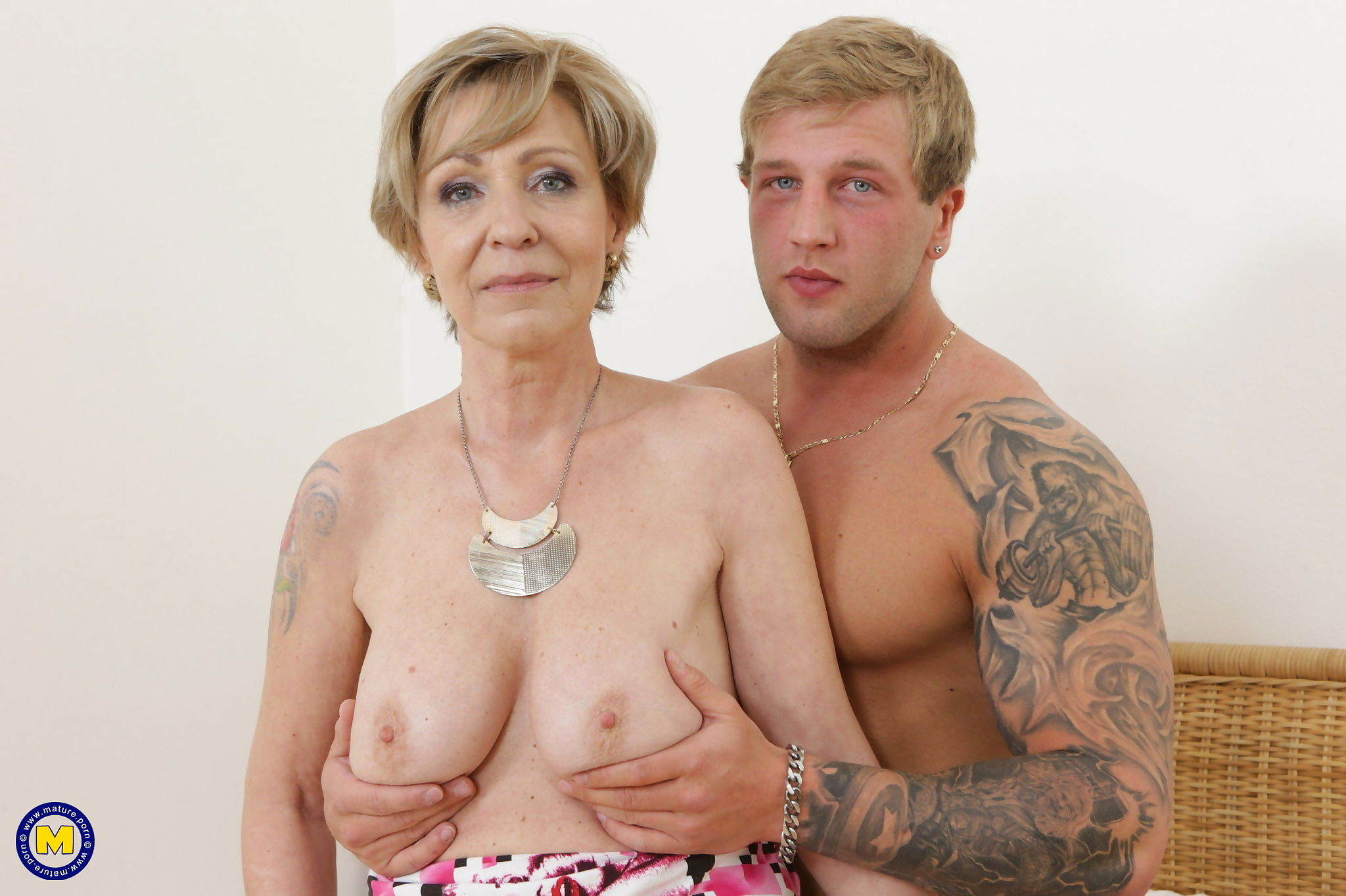 Horny mature lady fooling around with a muscular toy boy - part 2741