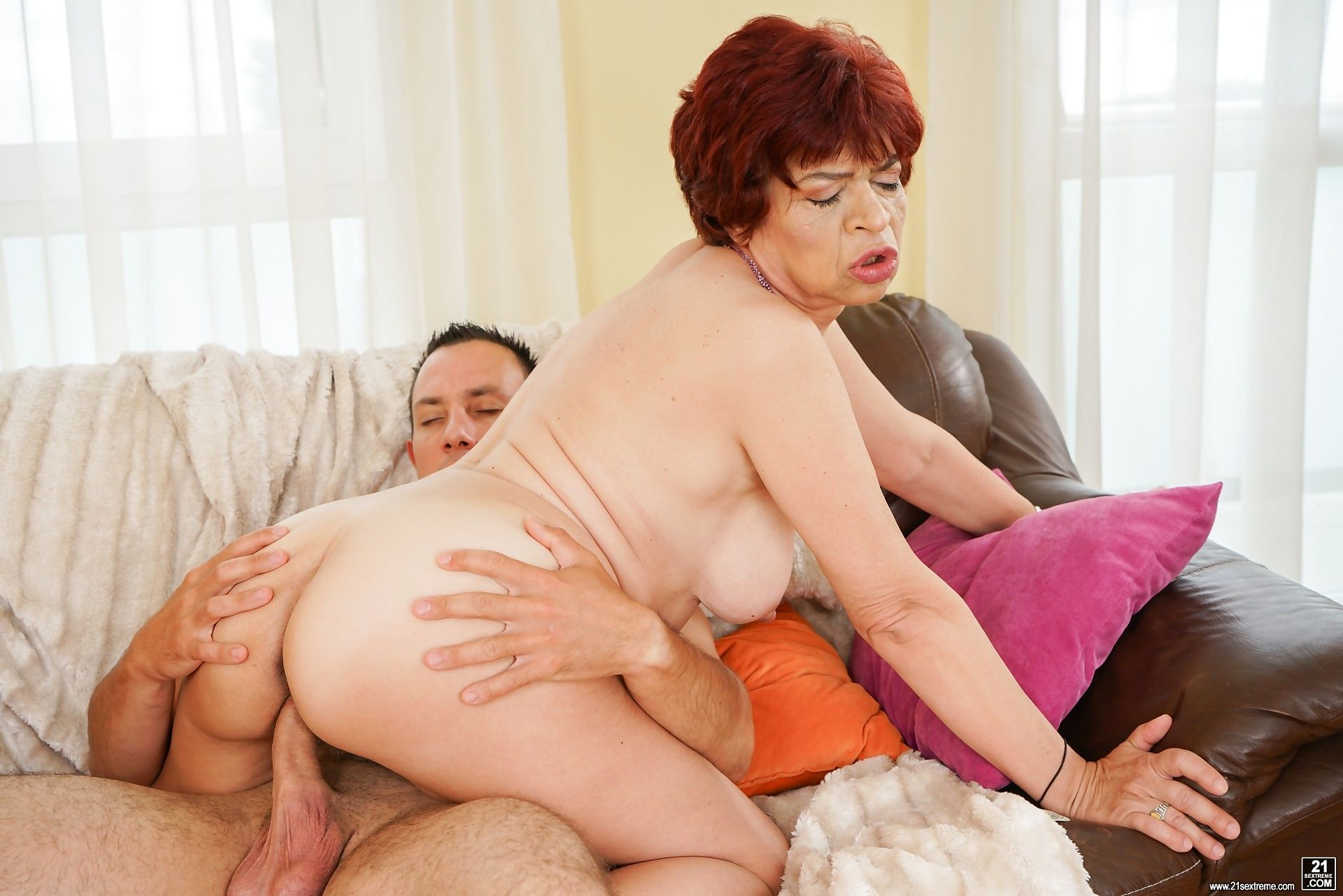 Lusty grandma donatella gently teases him before going down for a taste - part 2285