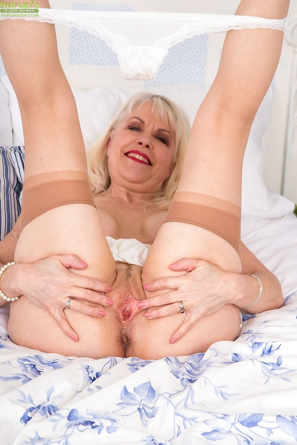 Busty granny margaret holt naked in beige stockings - part 773