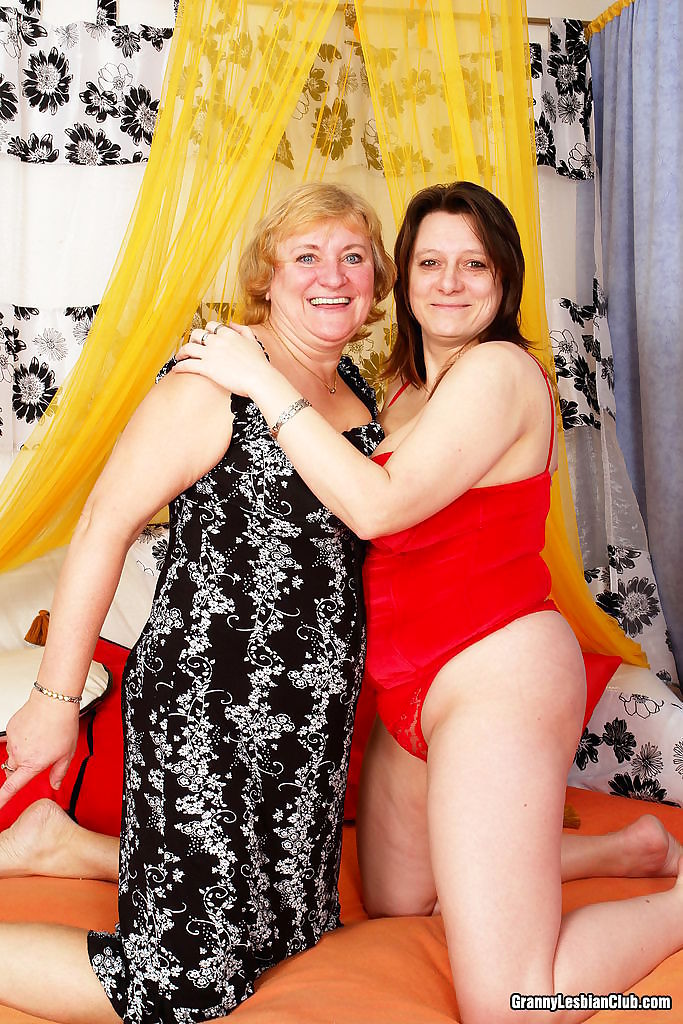 Naughty hot granny ladies playing with dildos - part 4814