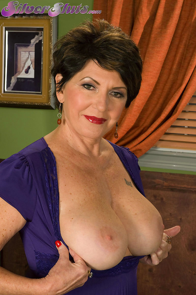 66 years old mature bea cummins fucking in porn - part 3038