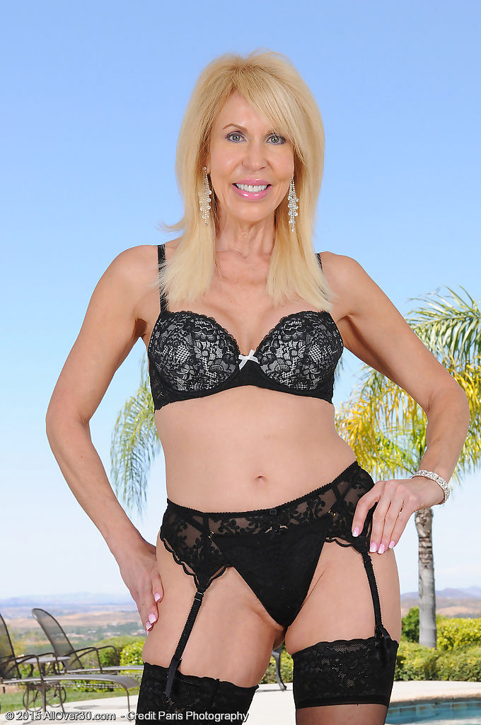 60 year old erica lauren strips outside - part 1294