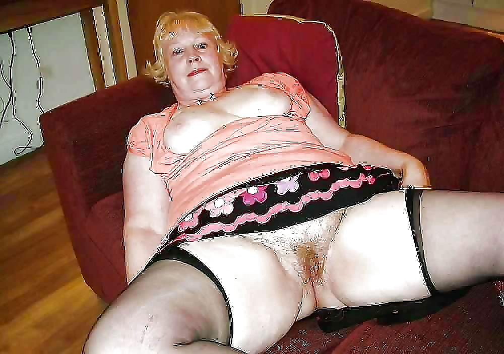 Hot nude granny - part 612