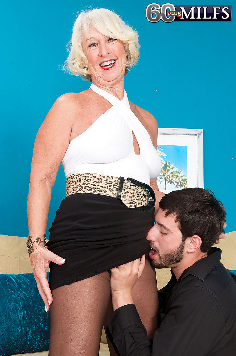 Pantyhose granny milf jeannie lou sucking stiff dick - part 916