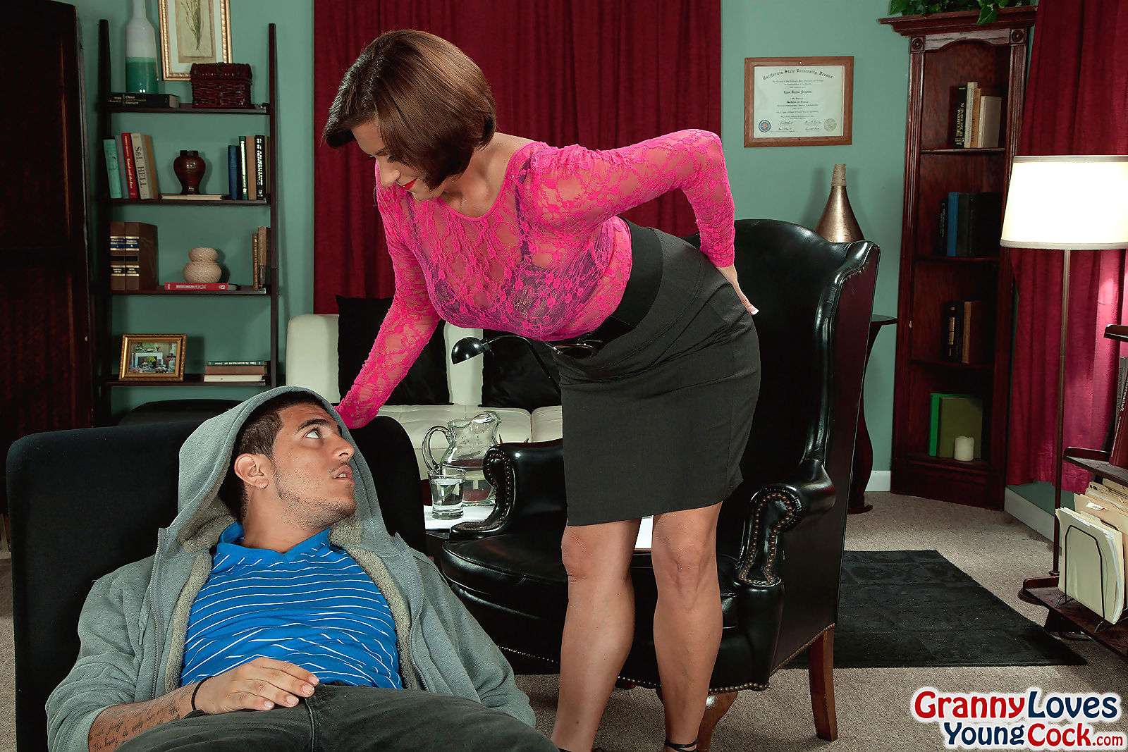 Cougar milf yasmine beale seducing younger guy for his cock - part 317