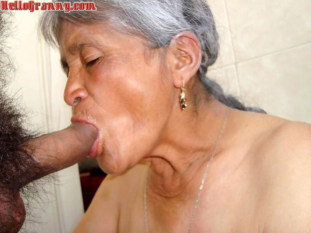 Old granny and cum in her face - part 3833