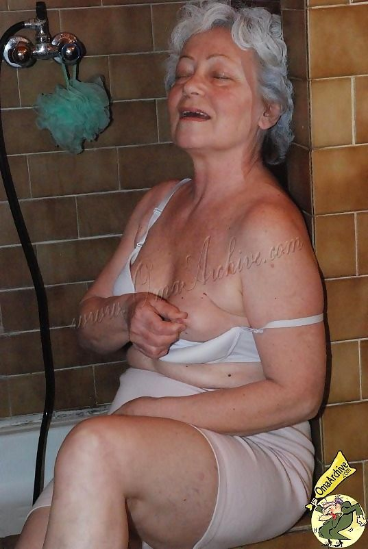 Older grannies masturbating naked - part 3581