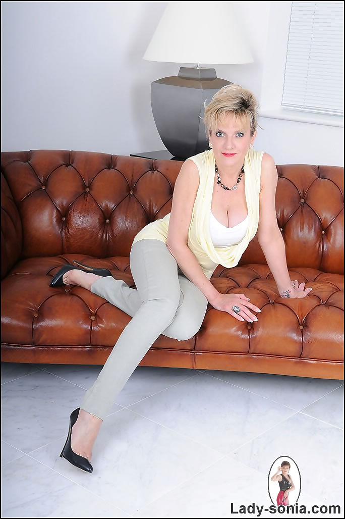 Tight jeans and cleavage mature lady sonia - part 2423