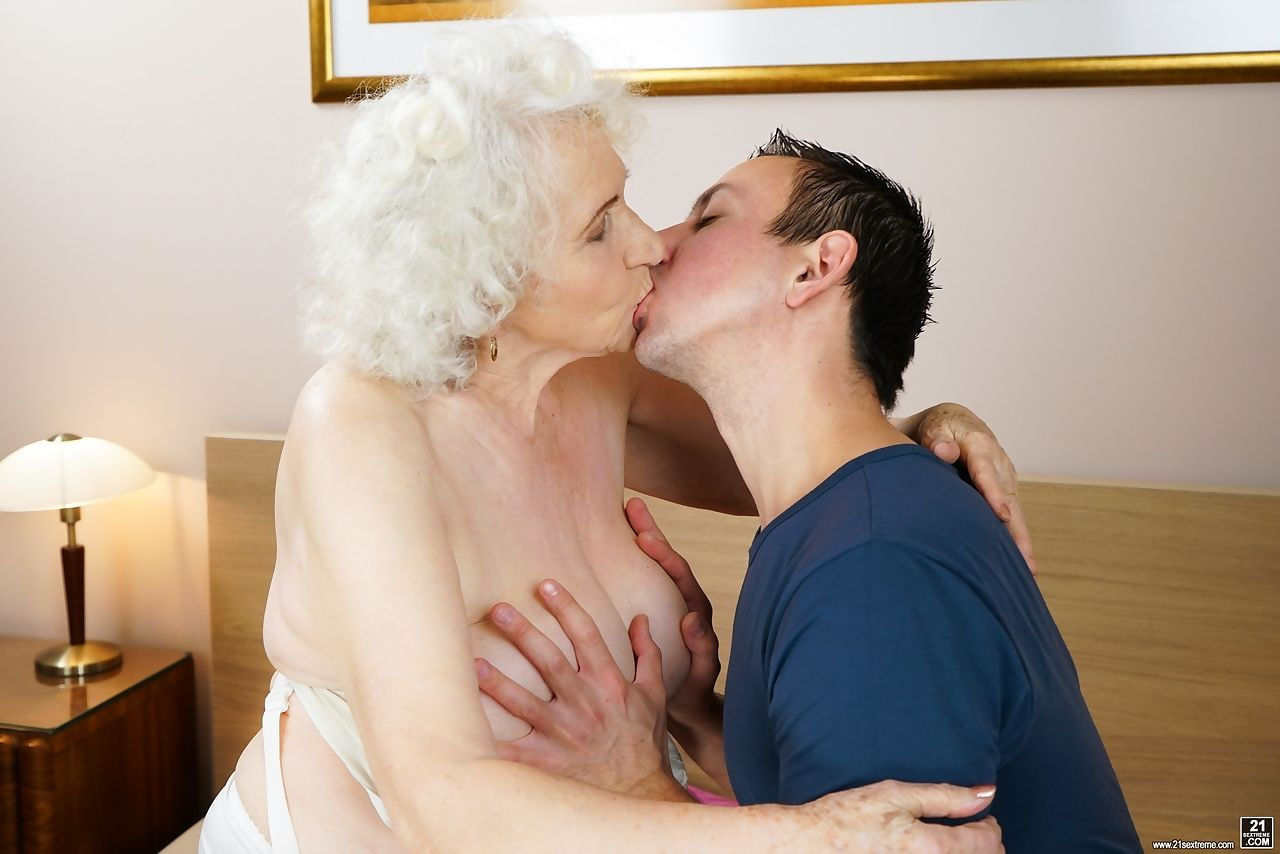 Lusty grandma takes a cumshot after having sexual relations with young lover