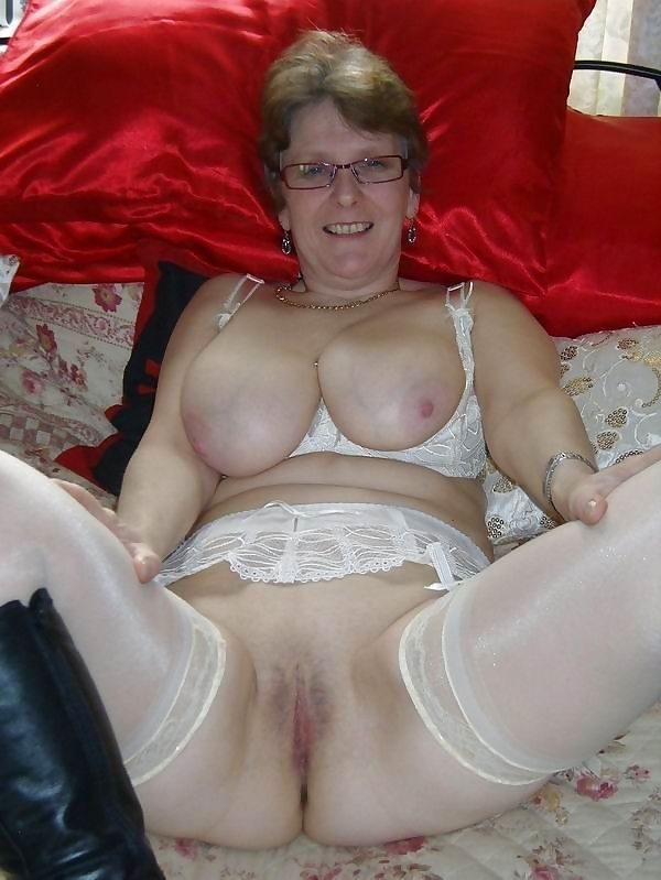 Hot nude granny - part 1895