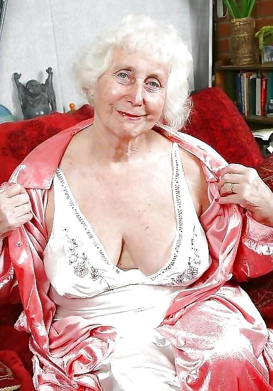 Old granny sluts - part 4912