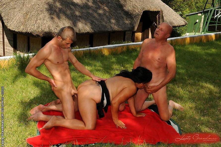 Granny getting nailed by her trainer - part 5201