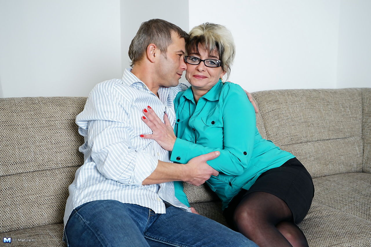 Lusty granny with glasses got screwed roughly doggystyle