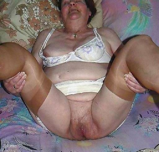 Kinky amateur grannies posing nude - part 4553