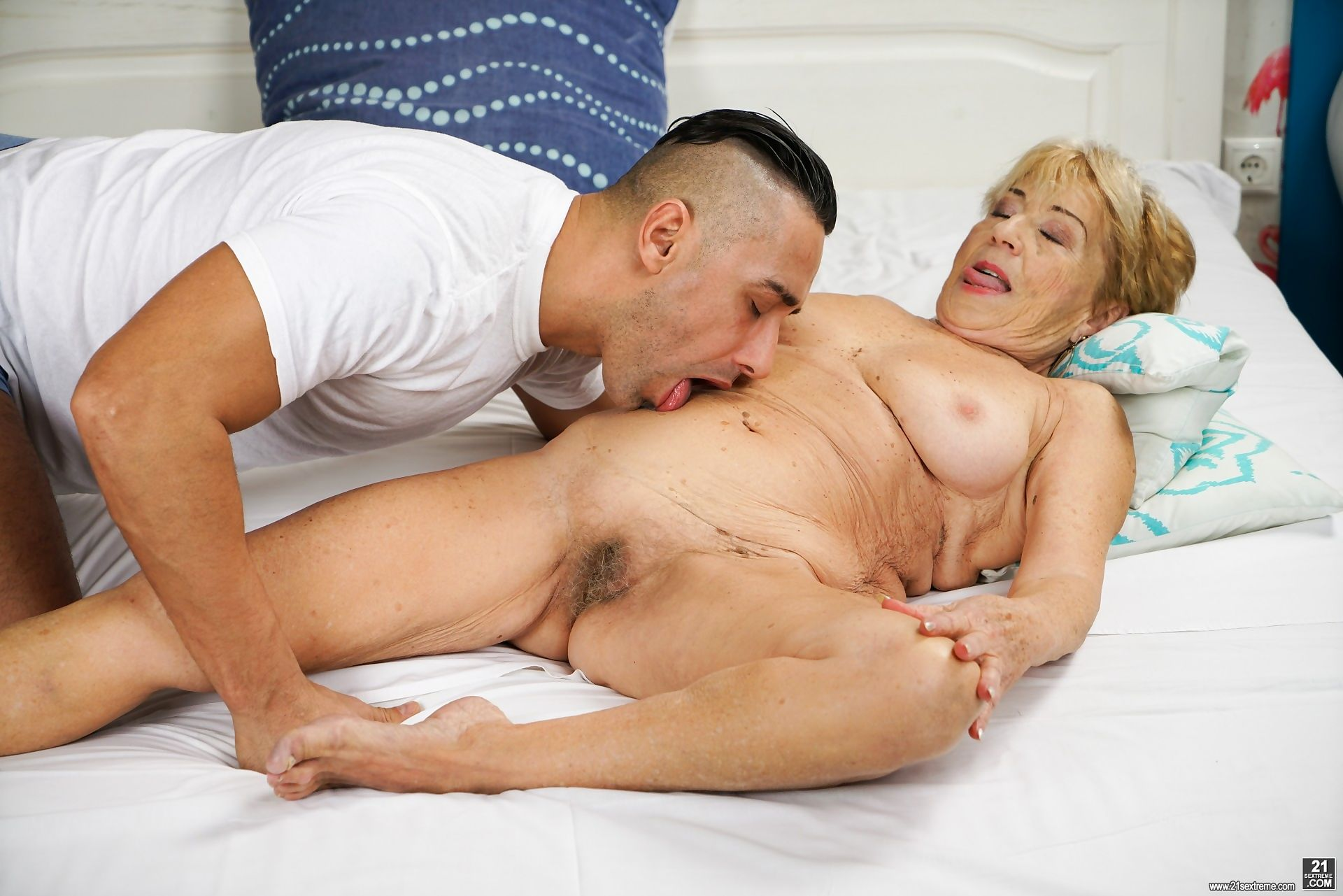 Young stud mugur is hard for malya, a busty granny with nymphomaniac tendencies. - part 701