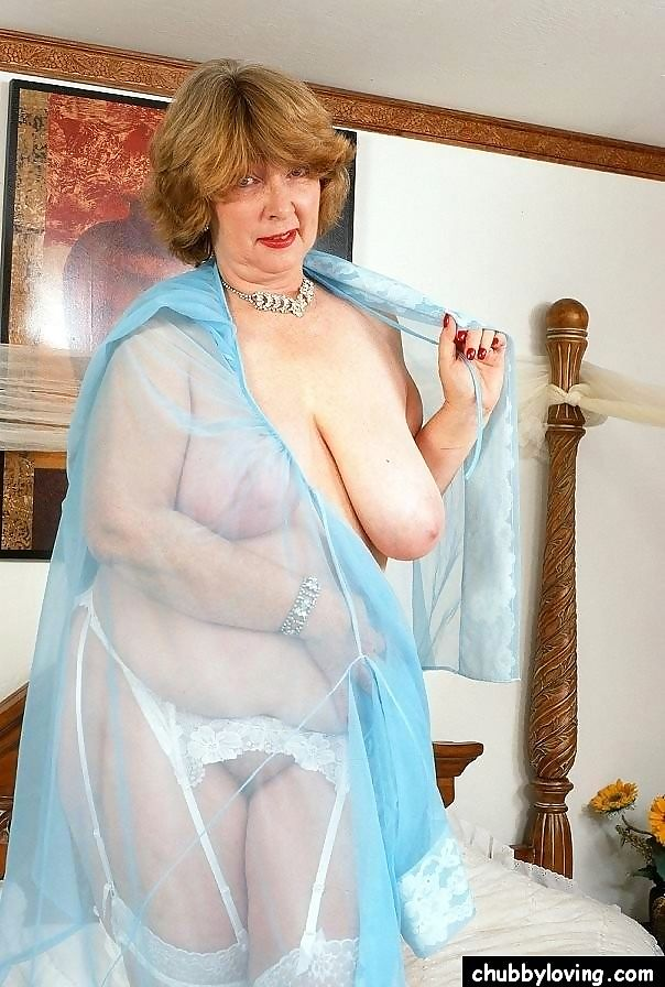 Busty mature fattie margerie getting naked and showing pussy - part 3188
