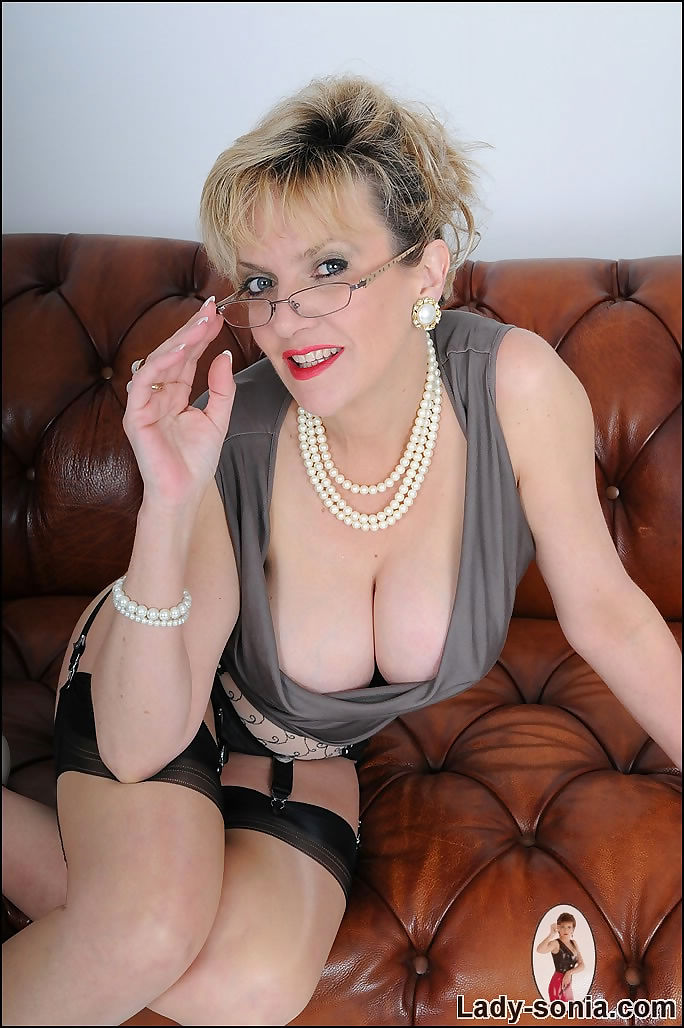 High end glamour busty mature babe lady sonia - part 2527
