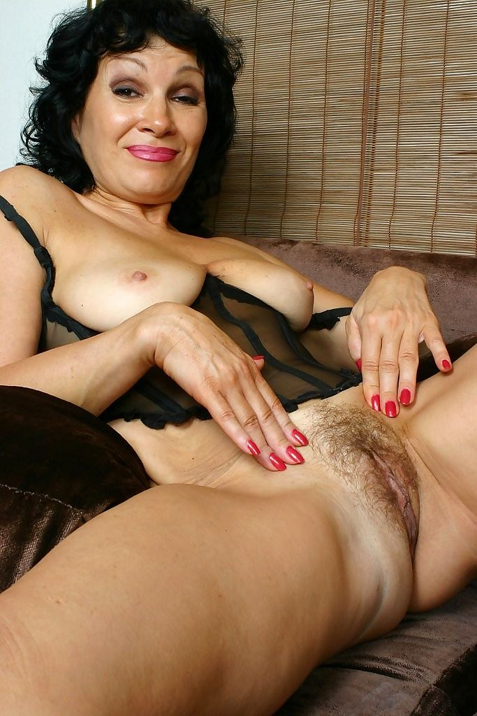 Granny rebecca spreads her hairy old pussy - part 4765