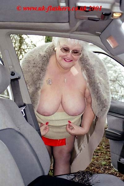 Flashing granny fran in mature exhibitionism - part 2795