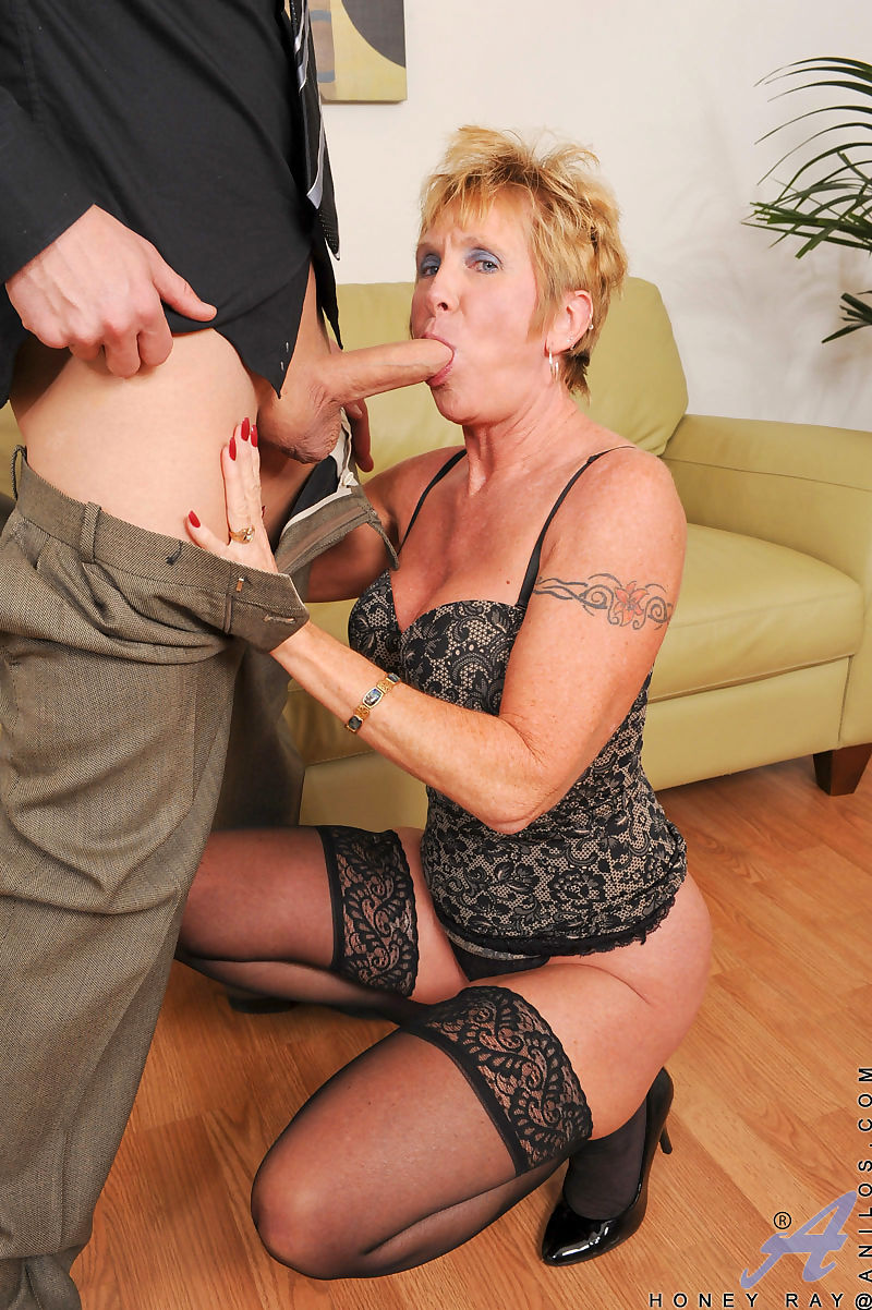 Hot and horny granny Honey Ray goes pussy to mouth with her son-in-law