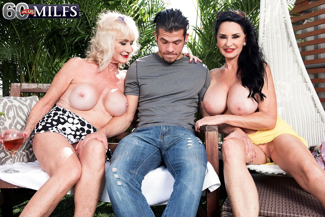 Lucky dude gets pleasured by Leah LAmour and Rita Daniels in a threesome