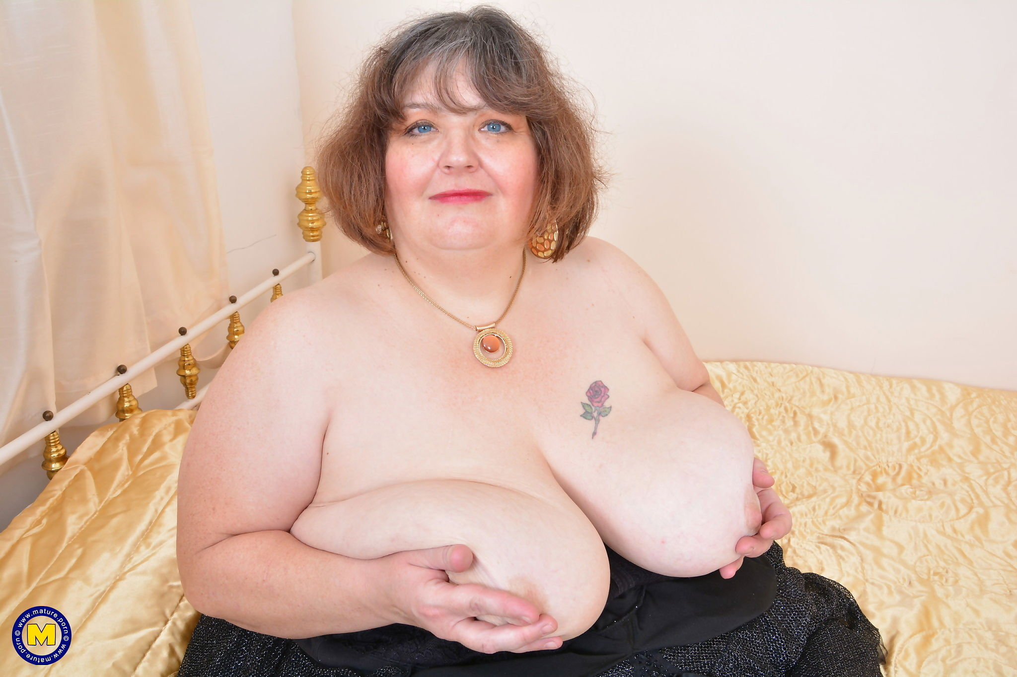 Huge breasted mature bbw playing with herself - part 1770