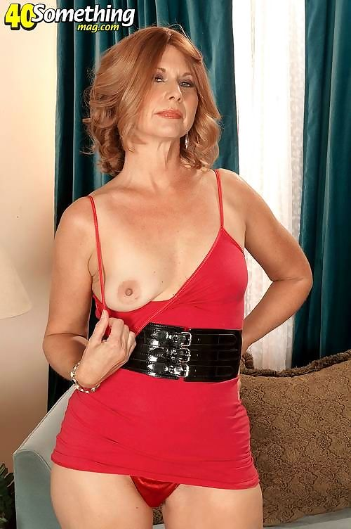 Horny milf in perfect mood showing her body - part 4238