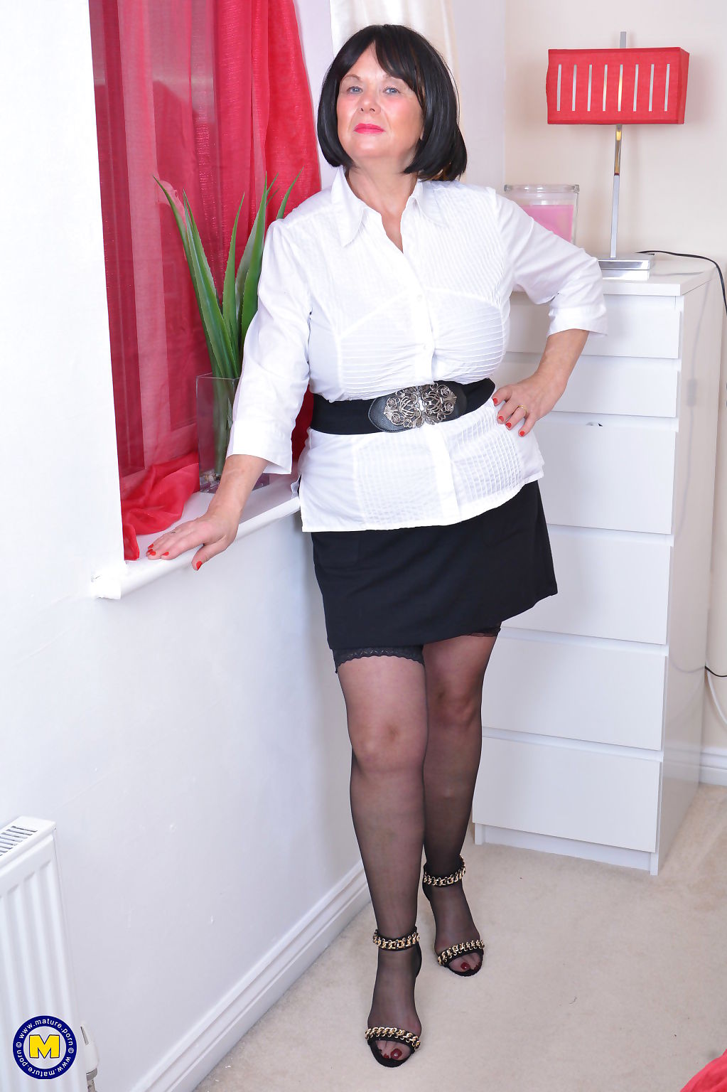 Curvy mature lady from the uk playing with herself - part 2022