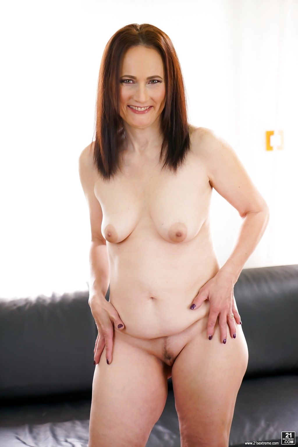Sexy granny alice sharp wants hot stud dom ullys big hard cock in her pussy! - part 1662