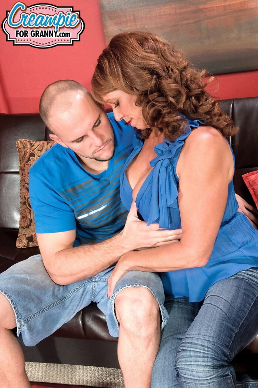 Hot Sheri Fox gets penetrated by her lover while her husband is gone