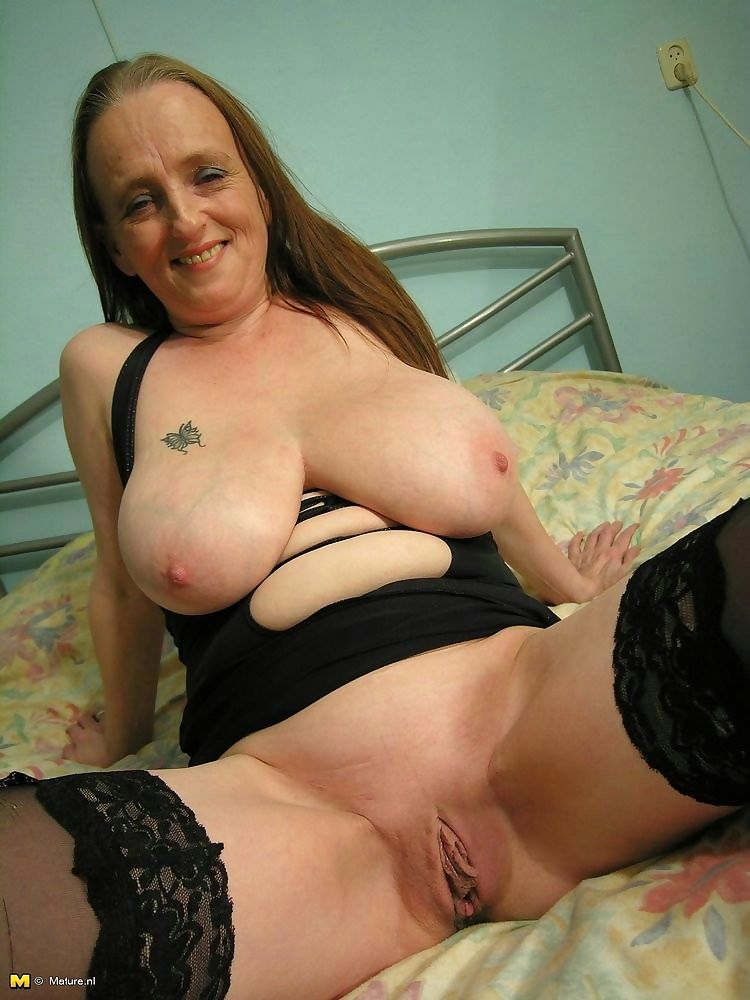 Big titted mama playing with herself in solo sex pics - part 3652