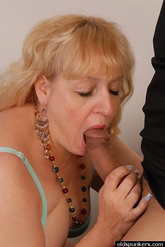 Dirty talking older babe - part 2437