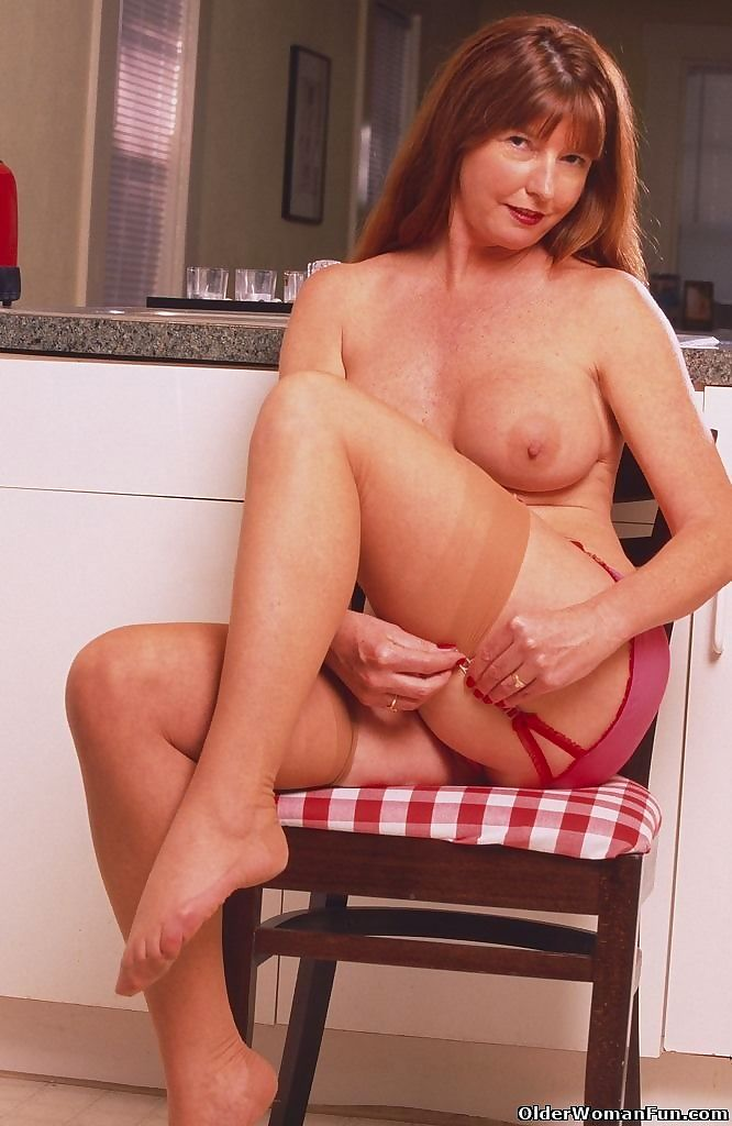 Redheaded mom dee shows her lickable pussy - part 4830