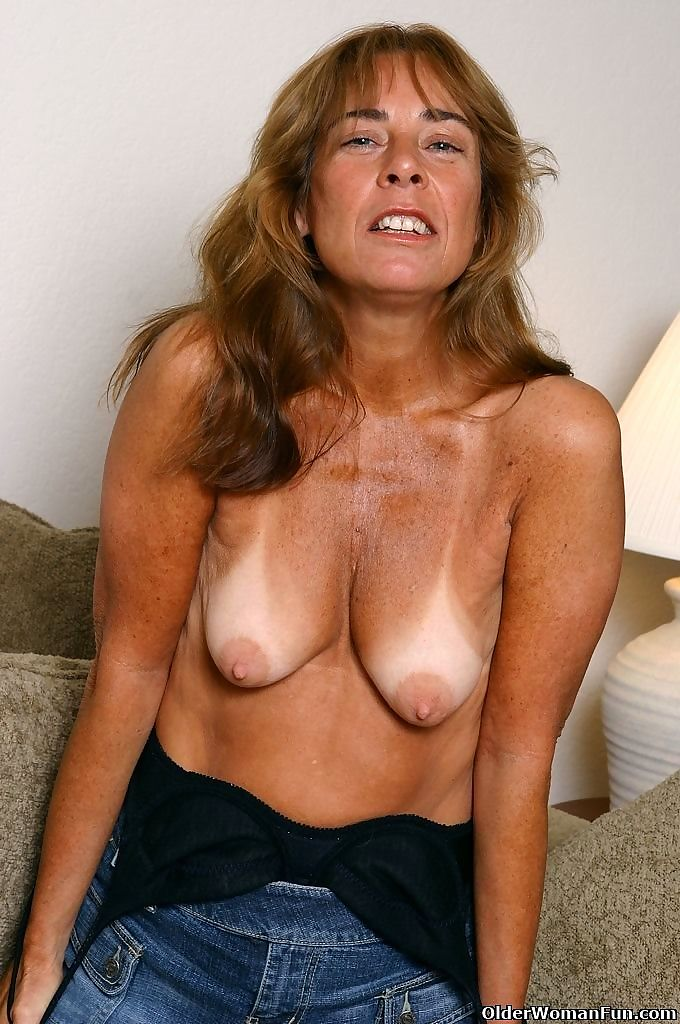 Tanned mom shana spreads beefy pussy - part 4397