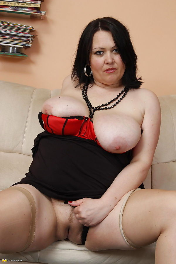 Chubby mama playing with her horny boyfriend - part 2195