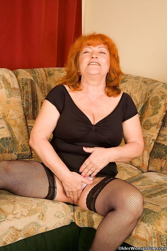 Granny eve in stockings strips off and plays - part 4415