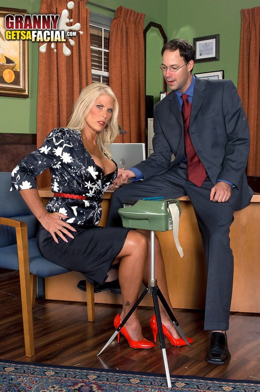 Blonde wife Charley Rose spreads her legs for a hardcore slamming at work