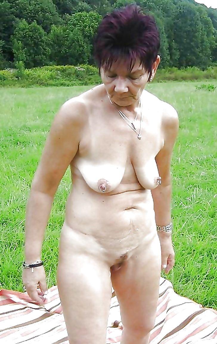 Nackt omas