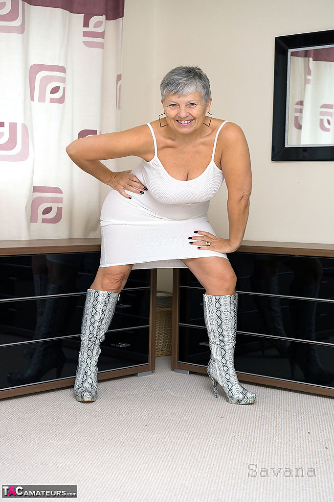 Hot Granny Upskirt
