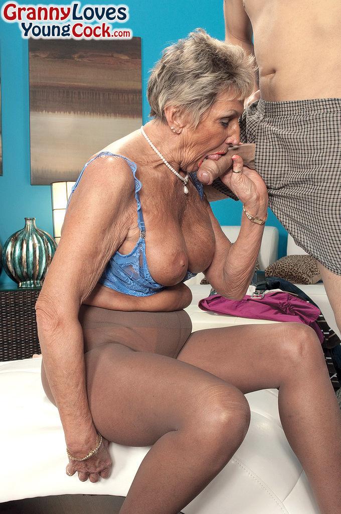 Sex enkel oma mit Enkel Besucht