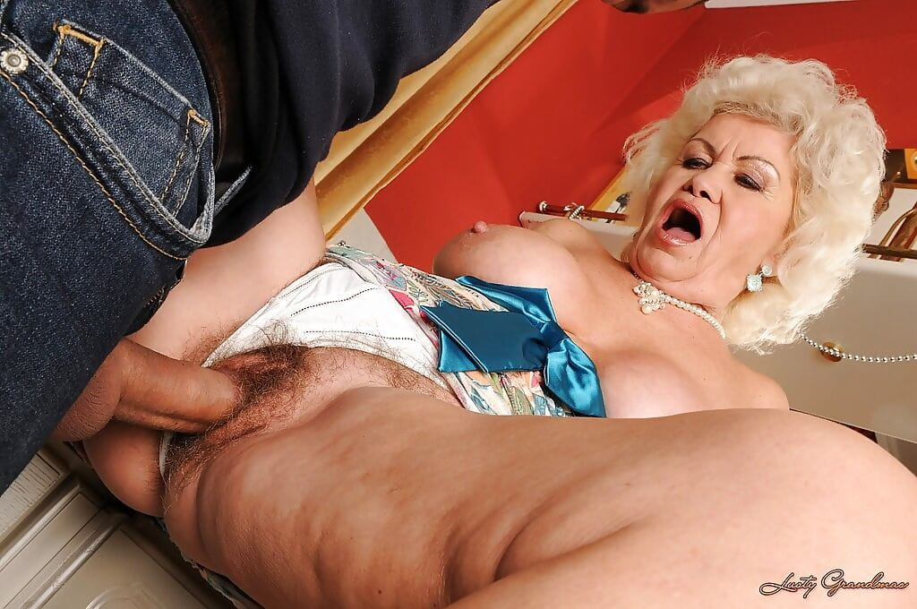 Pussy granny wet Old Women